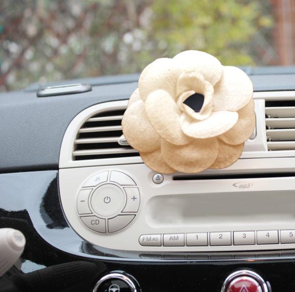 Désodorisant fleur voiture nude